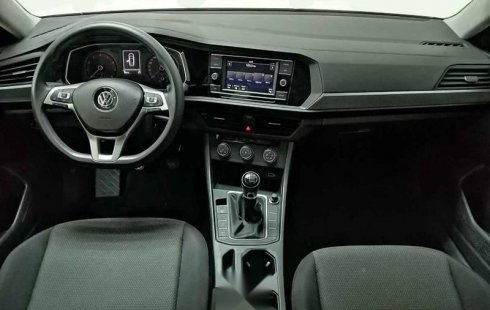 Volkswagen Jetta 2019 4p Trendline L4/1.4/T Man