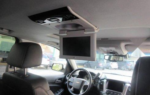 Chevrolet Suburban 2019 5.3 V8 LT Piel 2 Fila Asi