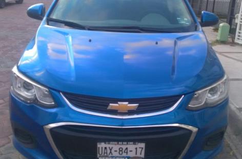 Chevrolet Sonic LT Hatchback automático 2017 color azul cobalto, seminuevo 20,643 km