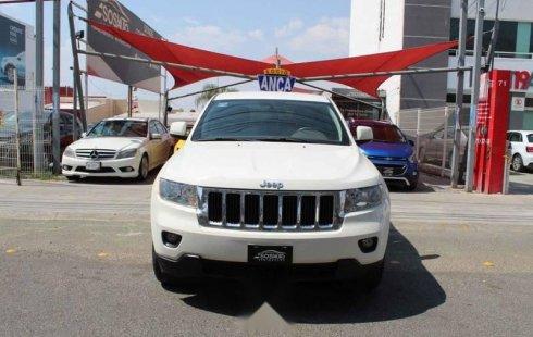 Jeep Grand Cherokee 2011 5p Laredo 4x2 V6 aut Lujo