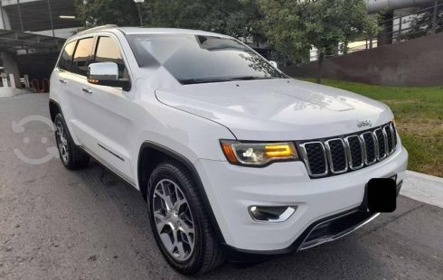 JEEP GRAND CHEROKEE 2019 Limited Lujo V8