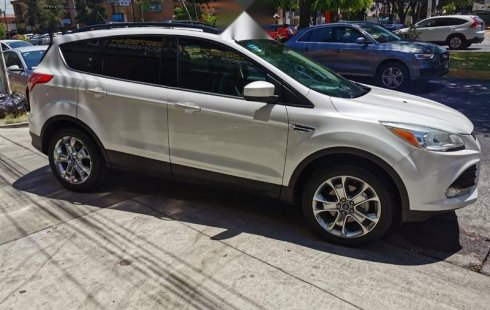 FORD ESCAPE SE PLUS 201