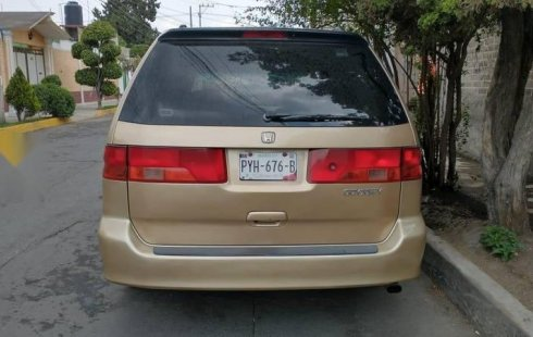 Auto Honda Odyssey 2000 de único dueño en buen estado