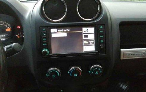 Jeep Compass 2014 5p Latitud 4x2 L4/2.4 Aut c/Cam
