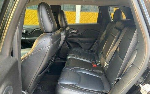 Auto Jeep Cherokee Limited 2014 de único dueño en buen estado