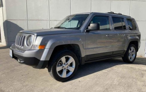 Se vende urgemente Jeep Patriot 2015 en San Fernando