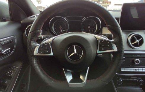 Mercedes-Benz Clase GLA 2018 en buena condicción
