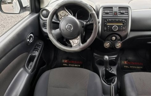 Excelente Nissan Versa Advance 2012