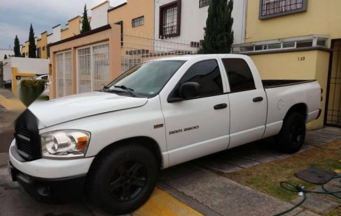 Pickup Ram 2500 doble cabina 5.7 HEMI