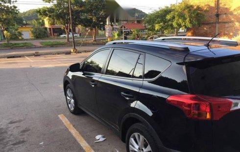 Auto Toyota RAV4 2014 de único dueño en buen estado