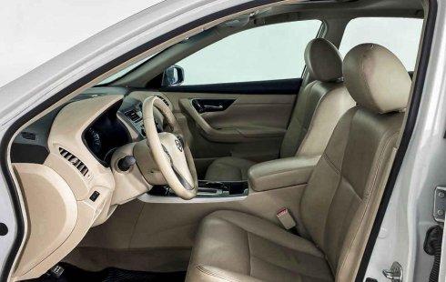 Auto Nissan Altima 2013 de único dueño en buen estado