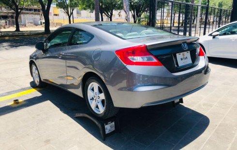 Auto Honda Civic 2013 de único dueño en buen estado