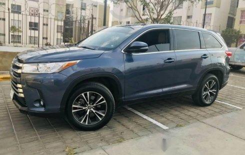 Auto Toyota Highlander 2019 de único dueño en buen estado