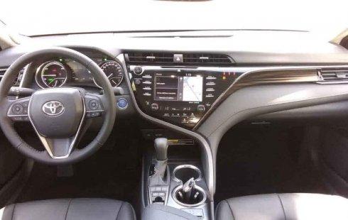 Auto Toyota Camry 2020 de único dueño en buen estado