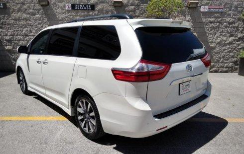 Pongo a la venta cuanto antes posible un Toyota Sienna en excelente condicción