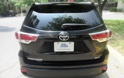 Toyota Highlander LE 2015 impecable en San Pedro Garza García