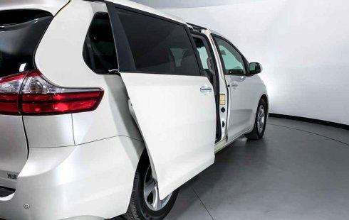 Toyota Sienna 2015 impecable en Cuauhtémoc