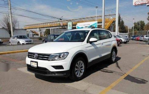 Volkswagen Tiguan 2018 5p Trendline plus 1.4 L4