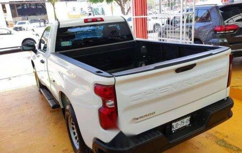 2019 Chevrolet Silverado 1500, Cabina Regular 4×4