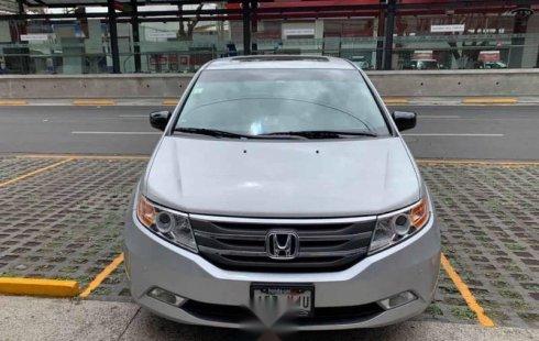 Honda Odyssey 2011 5p Touring minivan aut CD q/c D
