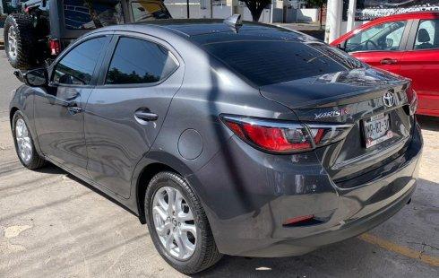 Auto Toyota Yaris 2016 de único dueño en buen estado