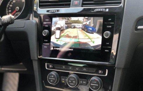 Auto Volkswagen Golf 2020 de único dueño en buen estado