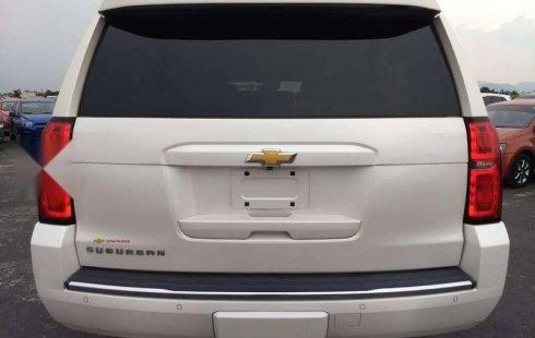 Pongo a la venta cuanto antes posible un Chevrolet Suburban en excelente condicción