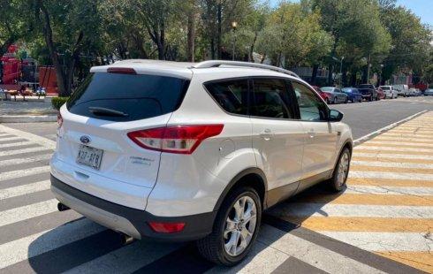 Ford Escape Titanium 2015 barato en Cuauhtémoc