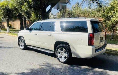 Chevrolet Suburban LTZ 4x4 2015 en buena condicción