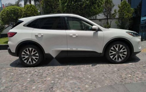 Venta de Ford Escape Titanium 2020 usado Automático a un precio de 630000 en Huixquilucan