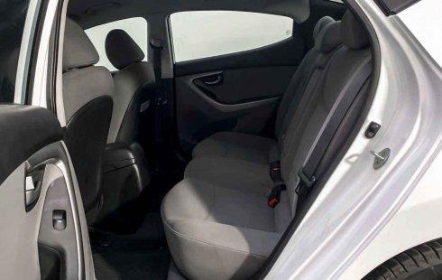 Auto Hyundai Elantra 2015 de único dueño en buen estado