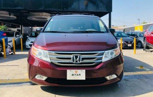 Honda Odyssey Touring 2011 en buena condicción