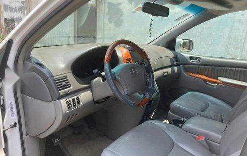 Se vende urgemente Toyota Sienna 2008 en Tláhuac