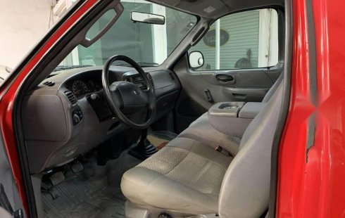Ford f150 6 cil standart aire extremadamente nueva