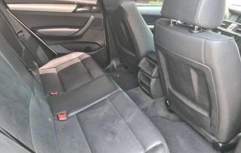 Auto BMW X3 2012 de único dueño en buen estado