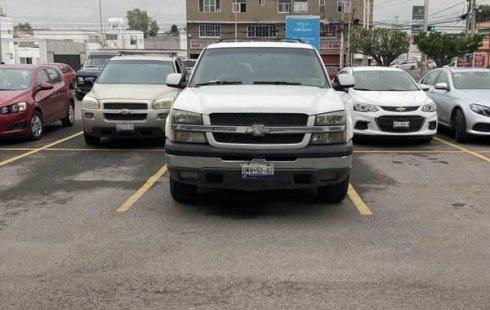 Se vende urgemente Chevrolet Suburban 2005 en Querétaro