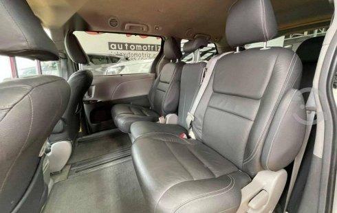 2015 Toyota Sienna XLE Piel