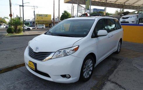 Toyota Sienna 2012 en buena condicción