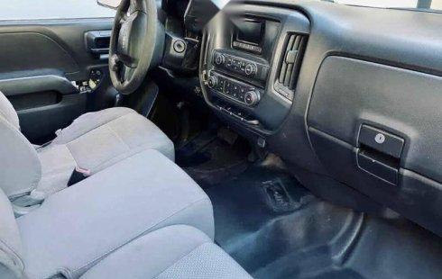 Chevrolet Silverado 2015 2p Cab Regular V6/4.3 Aut