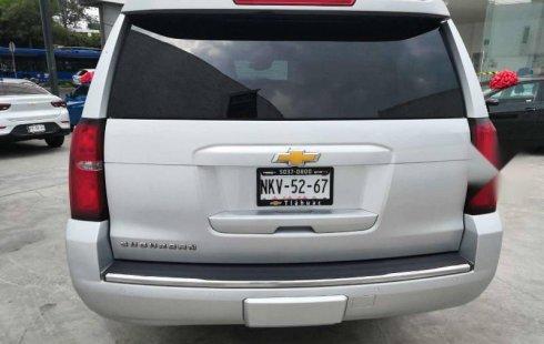Chevrolet Suburban 2015 en buena condicción