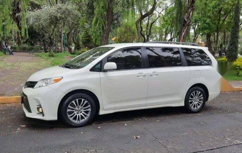 Venta de Toyota Sienna 2019 usado Automático a un precio de 416000 en Iztapalapa