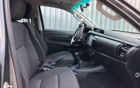 HILUX SR ENGANCHE $161,400 MENSUAL $8,400
