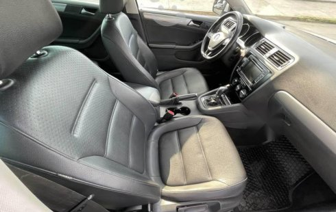 Se pone en venta Volkswagen Jetta Sport 2015