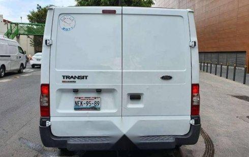 Pongo a la venta cuanto antes posible un Ford Transit en excelente condicción