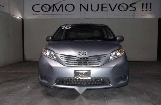 Toyota Sienna 2016 Precio