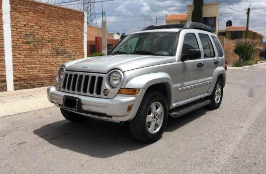 2a4bd3126 Precio de Jeep Liberty 2005 205768