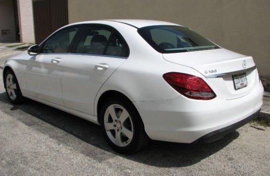 Mercedes-Benz Clase C precio