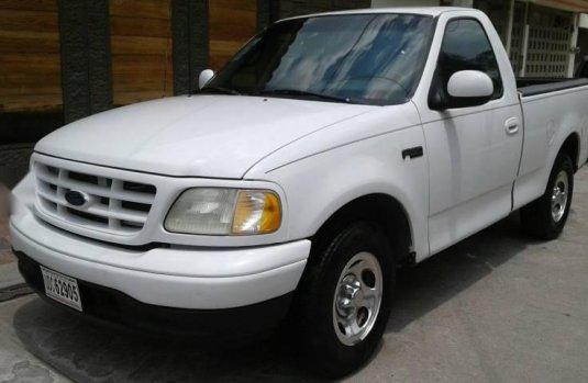 Vendo Un Carro Ford F   Excelente Llamama Para Verlo