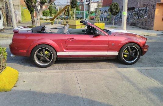 Ford Mustang Convertible conversión GT cobra audio de competencia
