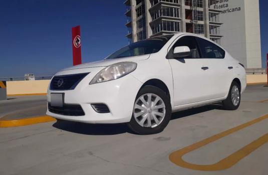 Nissan Versa 2013 Blanco en Puebla